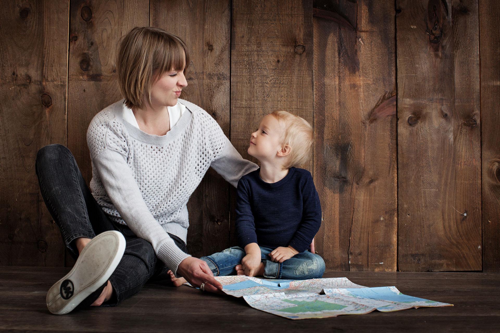 Užsiėmimai mamoms su vaikais, ispanų ir anglų kalba 100 zuikių studijoje